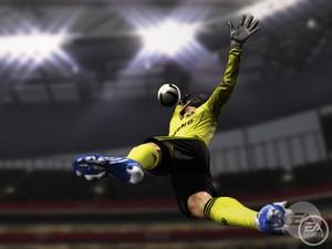 Spil bolden i FIFA 11