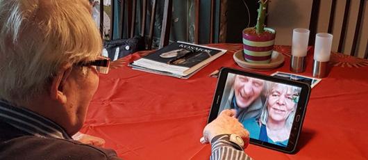 Telenor hjælper beboere på plejecentre